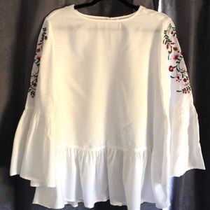Flowy Embroidered Top NWOT, M